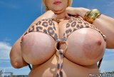 abelena.com_samantha-huge-tits3_big.jpg